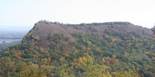 Sand Land: Fracking Industry Mining Iowa's Iconic Sand Bluffs in New Form of Mountaintop Removal