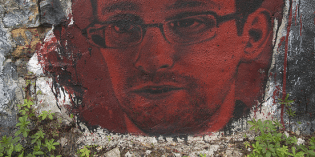 Whistleblower Edward Snowden Releases Statement from Moscow: Still Seeking Asylum