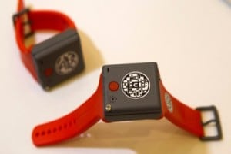 GPS tracking wristband