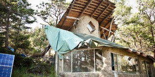No Electricty, No Money – Island Community a True Example of Off-Grid Living