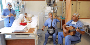 Doctors Now Prescribing Music Therapy for Many Serious Conditions