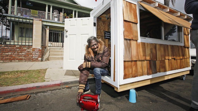 homeless tiny house la - Tiny Houses California