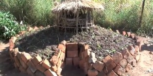 Keyhole Garden – How to make an African style raised bed (Video)