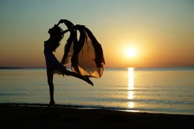 Flickr-beach dance-Arman_Zhenikeyev