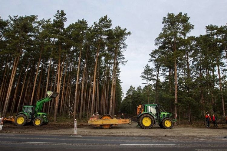 """Tesla Is Cutting Down """"Thousands Of Trees"""" To Put Up Its German Gigafactory 4"""